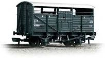 Bachmann 37-711A 8Ton Cattle Wagon 106909 GWR Dark Grey